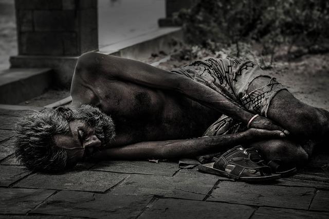 bezdomovec na ulici