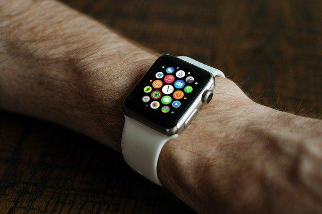 chytré hodinky s aplikacemi