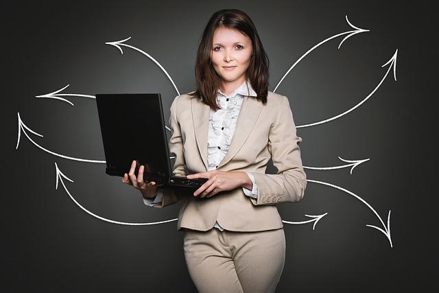 žena a notebook