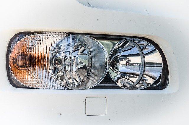 podélný reflektor