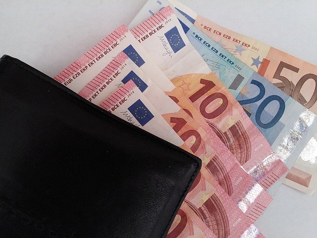 eura pod peněženkou