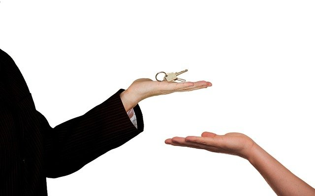 předání klíčl