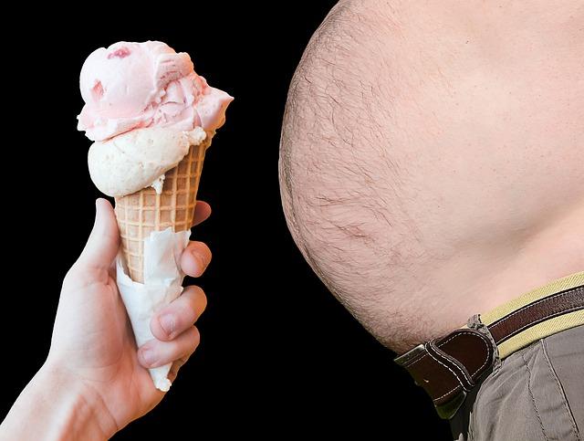 velké bříško a zmrzlina.jpg